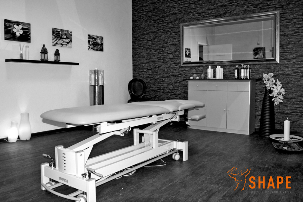 Raum mit Behandlungsliege