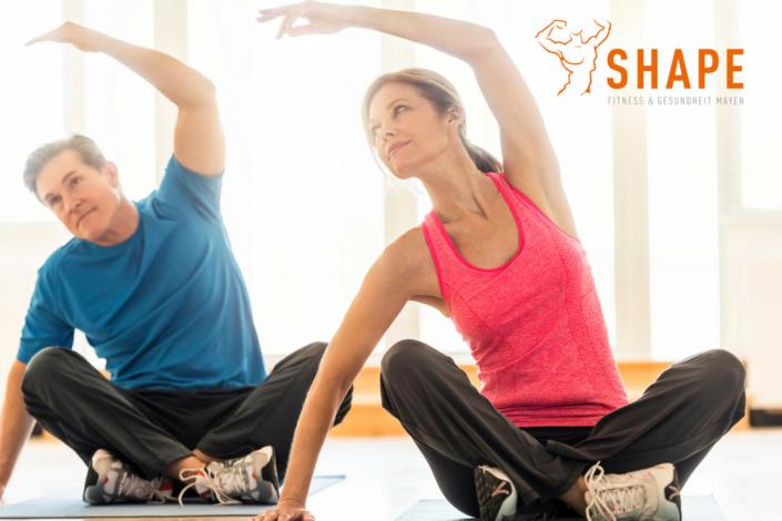Yoga im SHAPE mit unserem Cedrik